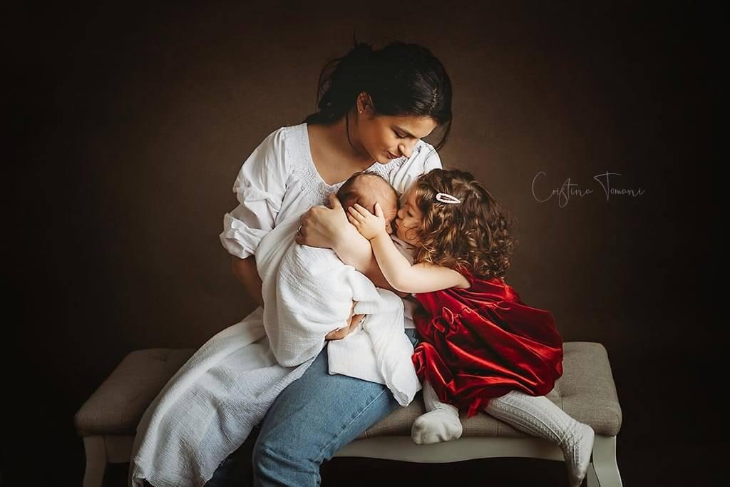 O sedinta Foto Newborn cu Eduard, Cristina Tomani