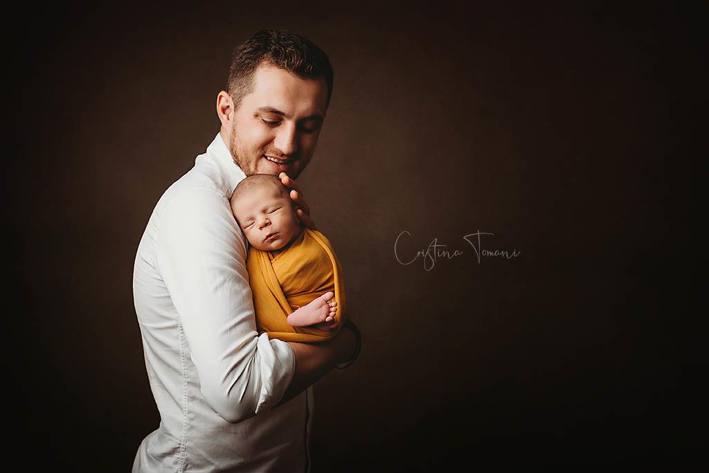 O sedinta foto de nou nascut relaxanta cu Mathi, Cristina Tomani
