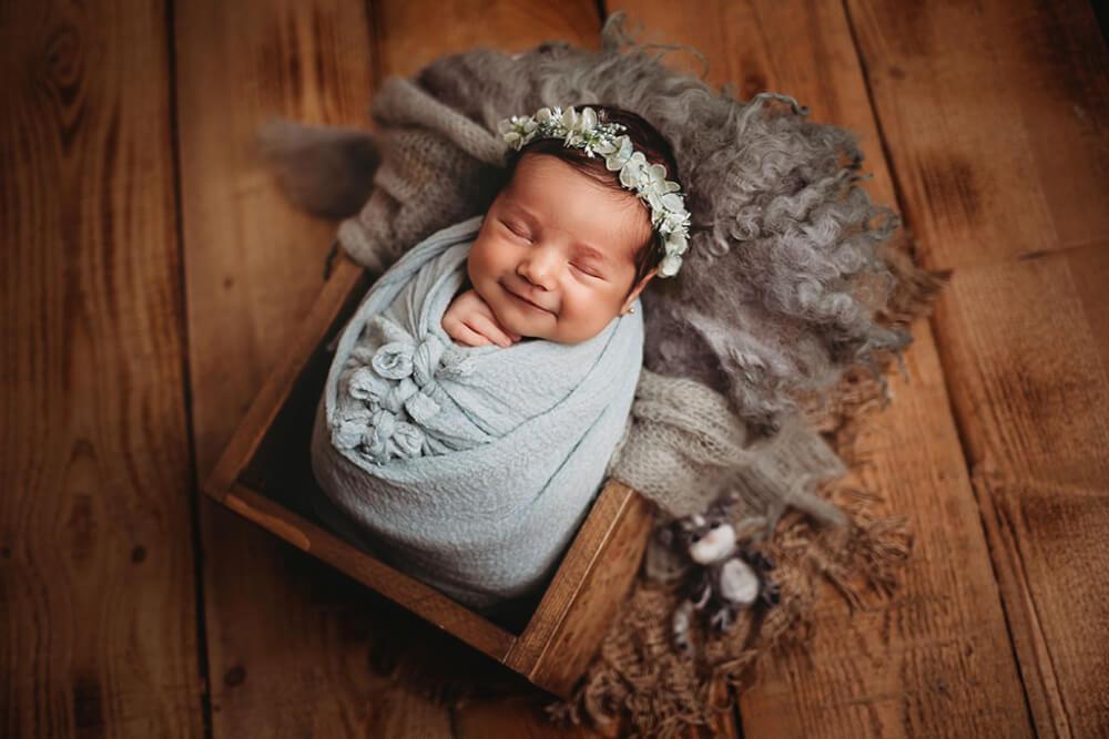 O sedinta foto newborn cu micuta Iris