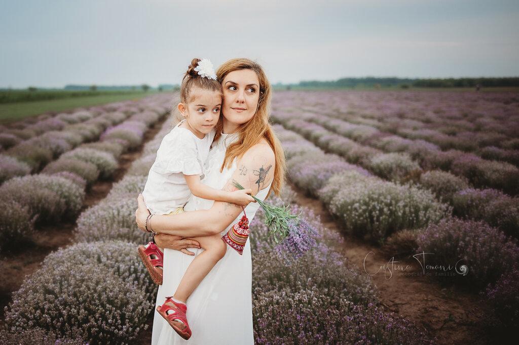Sedinta foto in natura cu Emilia si Tania